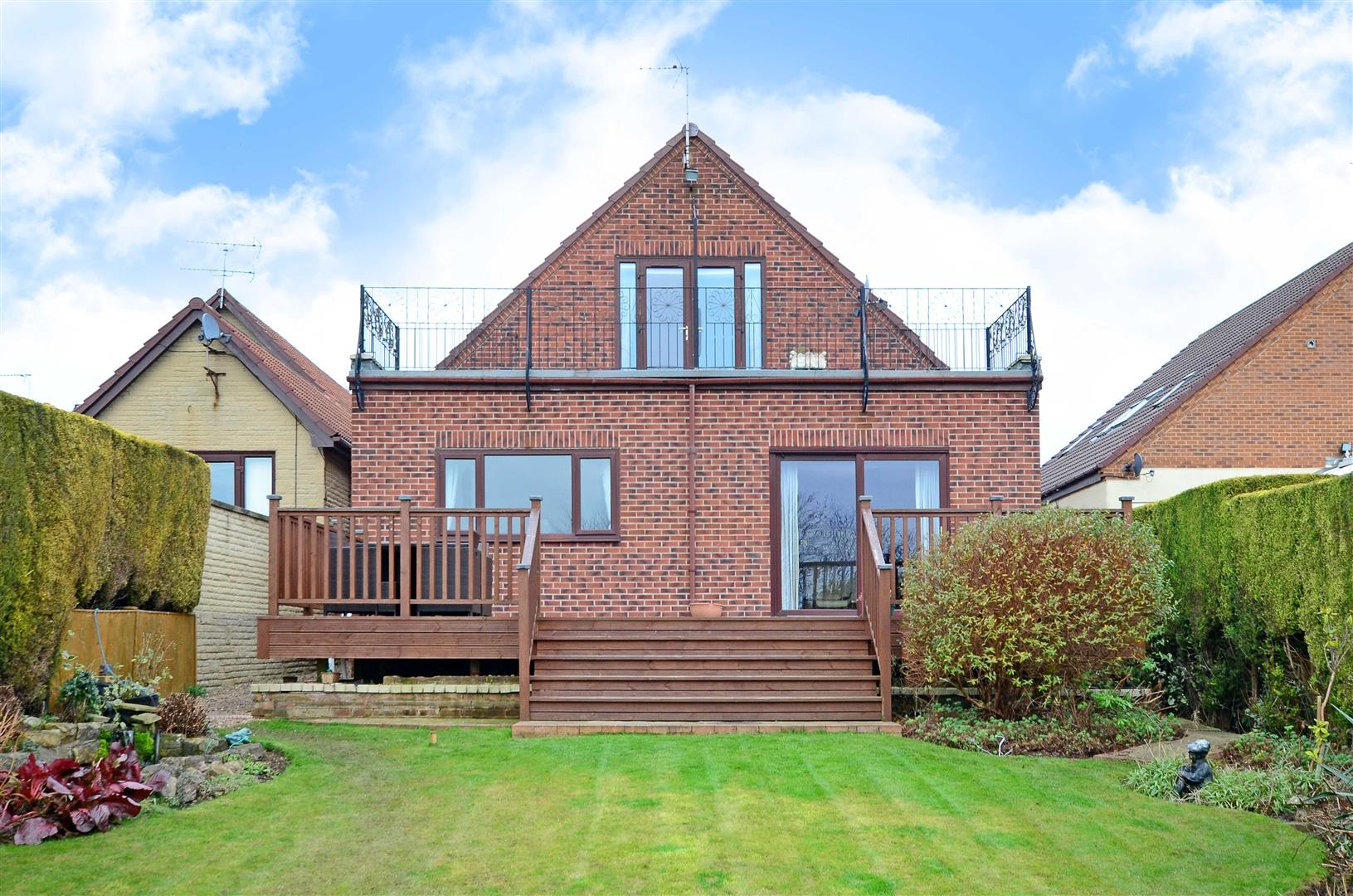 5 Bedrooms House for sale in Rackford Road, North Anston, Sheffield